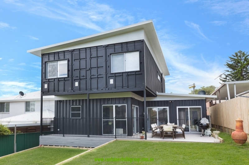 The Cronulla container home completed in Sydney was based on 8 20FT and 3 40FT containers. This beautiful home has 3 bedrooms and 4 bathrooms with a ... & Luxury Container Homes | Container Homes \u0026 Pop-Up Shops